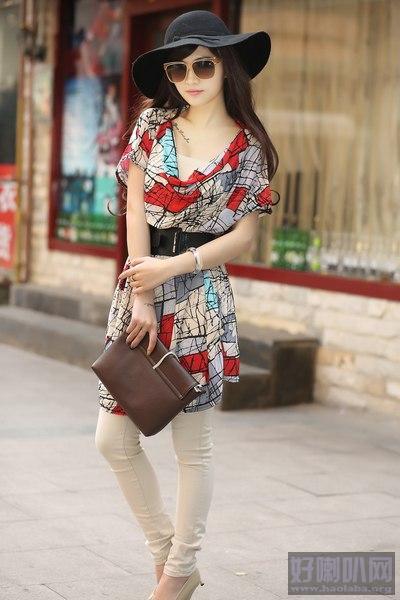 厂家直销男女装T恤广州批发便宜服装时尚女装牛仔裤批发