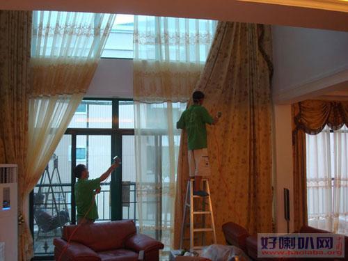 """""""对号入座"""" 洗窗帘,分外干净,延长窗帘使用寿命"""